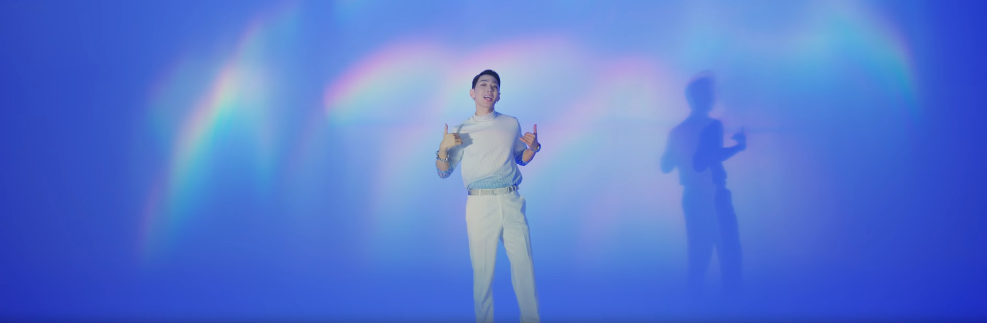 "GRAY ""Moon Blue"" MV"